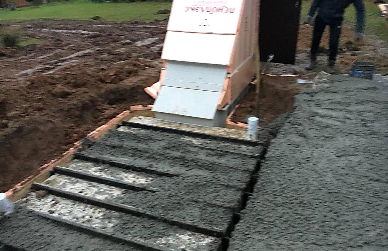 Заливка бетоном верха погреба